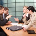 Кто должен вести переговоры с банком по делам задолженности?